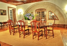 Casa de Luou - dining room