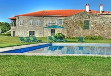 Portugal Minho Ponte de Lima Casa de Luou villa accommodation swimming pool